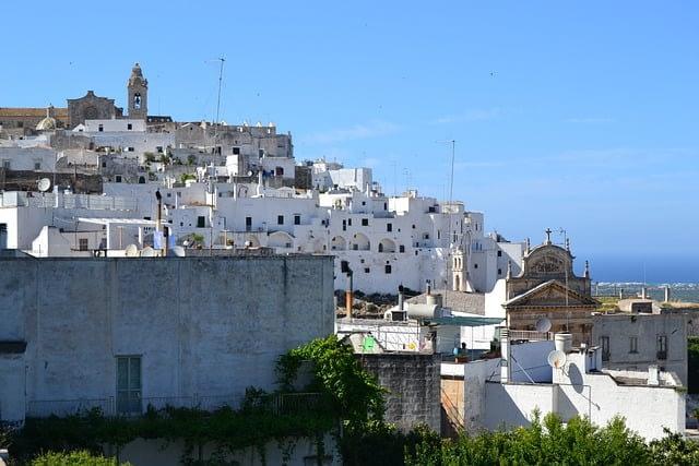Ostuni3_YesPuglia l'enoteca online più innovativa di puglia_vacanze in Puglia_Otranto_Ostuni_Lecce_Bari_Brindisi_Foggia_Gargano